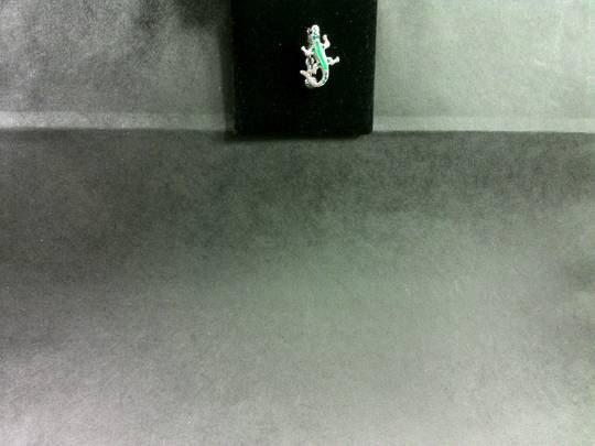 Green Top Hanging Lizard Banana Bar
