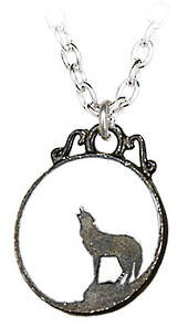 Wolf pendant and chain